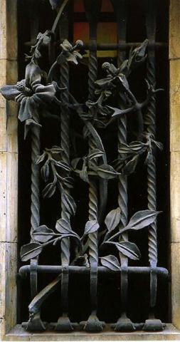 درب فلزی با طرح گل